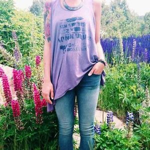 FREE PEOPLE ASYMMETRICAL FEATHER GRAPHIC TANK